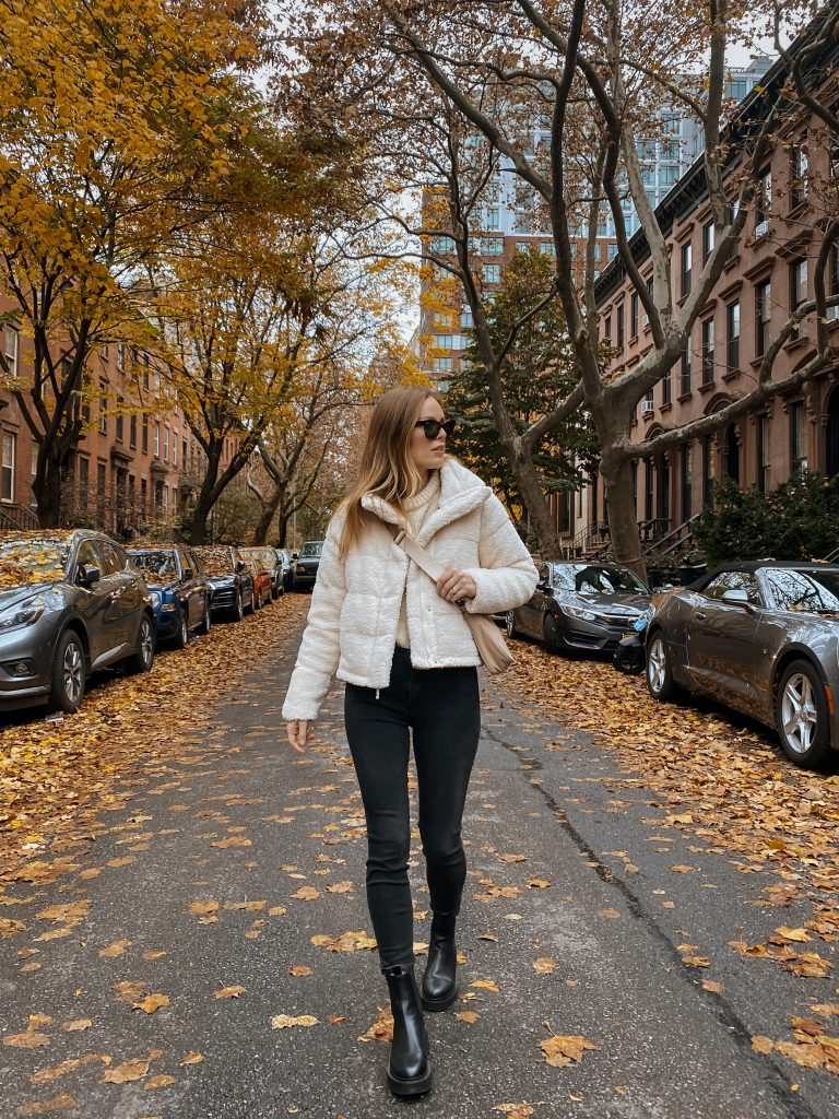 Chunky Chelsea boots, abercrombie cropped sherpa jacket, black skinny jeans
