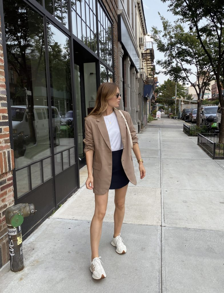 how to wear a mini skirt in fall
